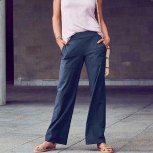 Athleta Chelsea Cargo Wide Leg Pants Navy Size 14